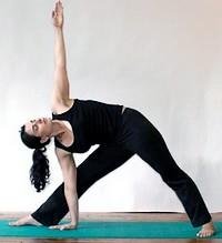 йога болит колено
