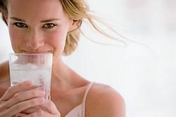 сколько нужно пить воды беременным
