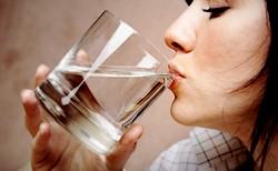сколько воды нужно пить человеку