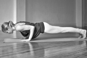 йога для суставов рук